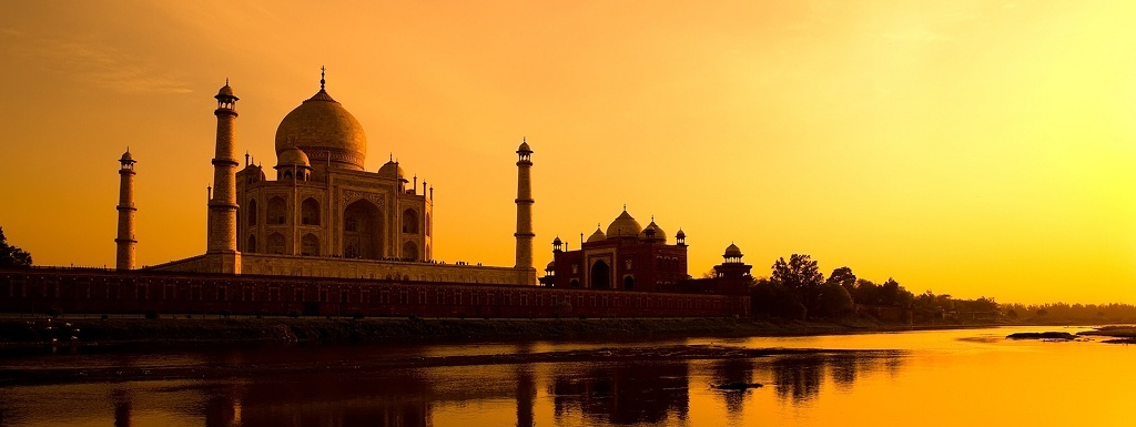 Visit Taj Mahal Sight Seeing Tour Packages By Hotel Clarks Shiraz